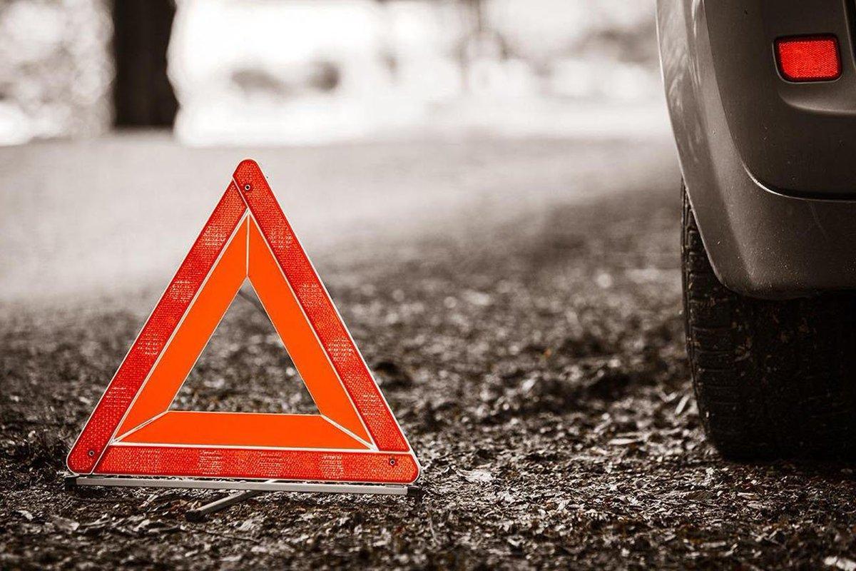 В Новочеркасске пьяный офицер полиции попал в аварию на служебном авто
