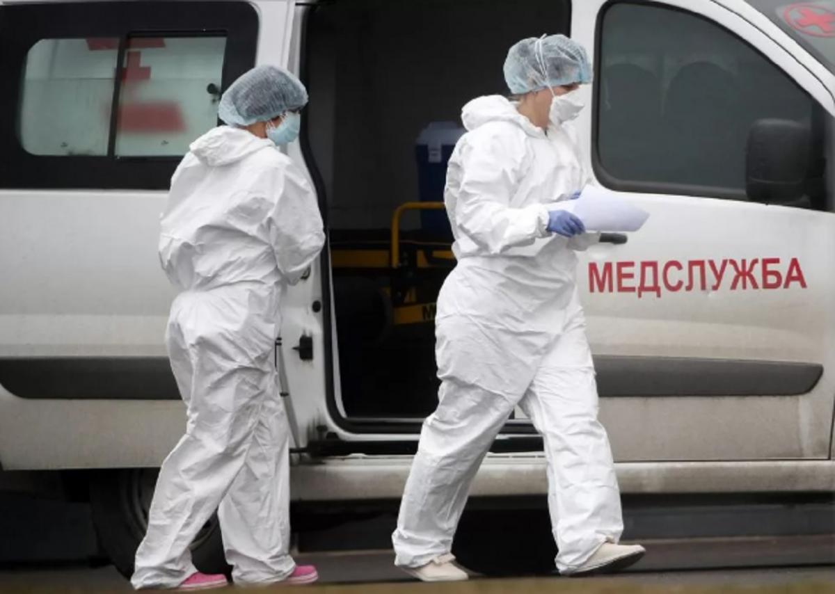В Крыму на месяц продлили выплаты медработникам, работающим с больными коронавирусом