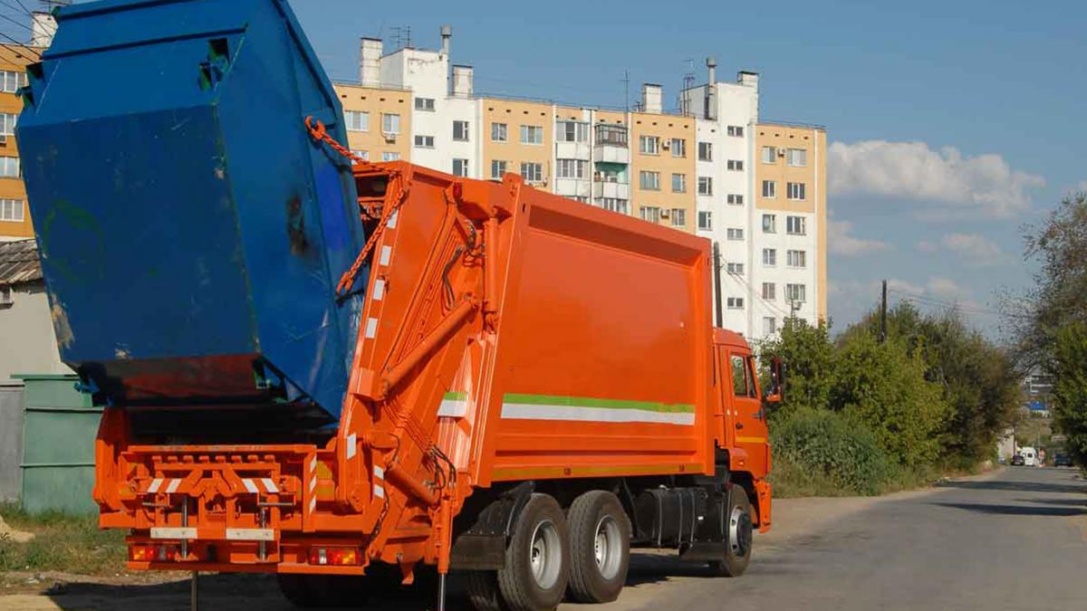Кому могут отказать в вывозе мусора
