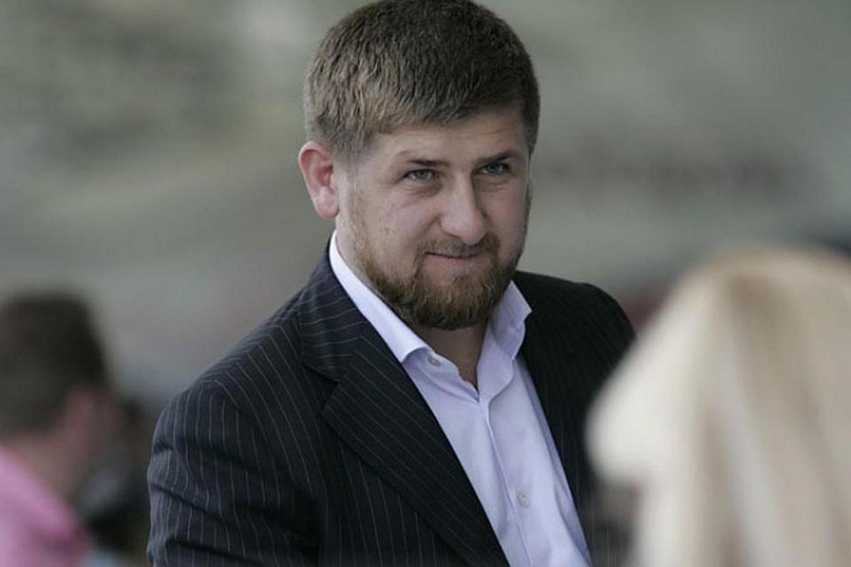 В Кремле ответили на публикацию в СМИ о высказывании Кадырова про оскорбление чести