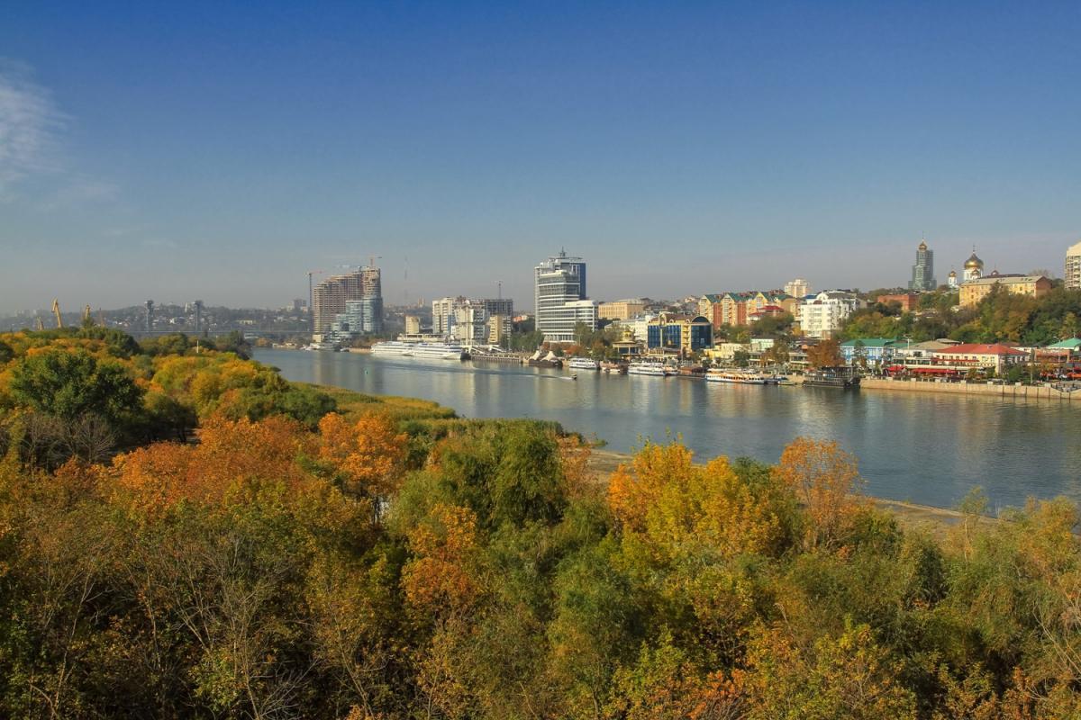 Будет ли тепло: какая погода ожидает Ростов в пятницу и выходные, раскрыли синоптики