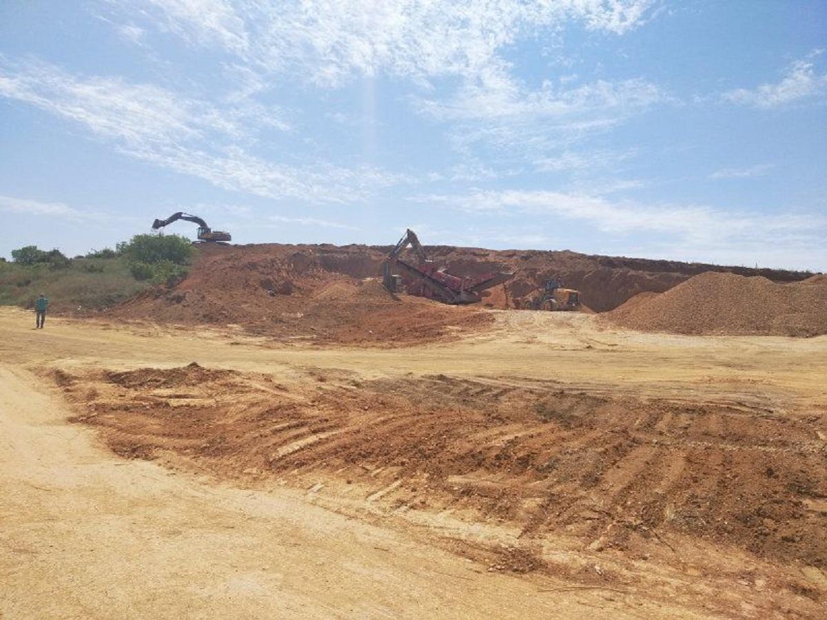 В Севастополе остановлена незаконная добыча песка в Языковой балке