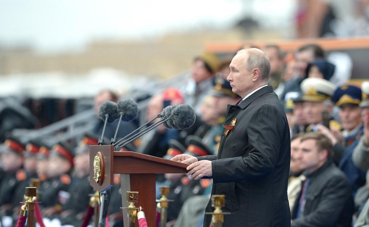 """Путин заявил, что тем, кто """"вновь замышляет агрессивные планы"""", нет оправдания и прощения"""