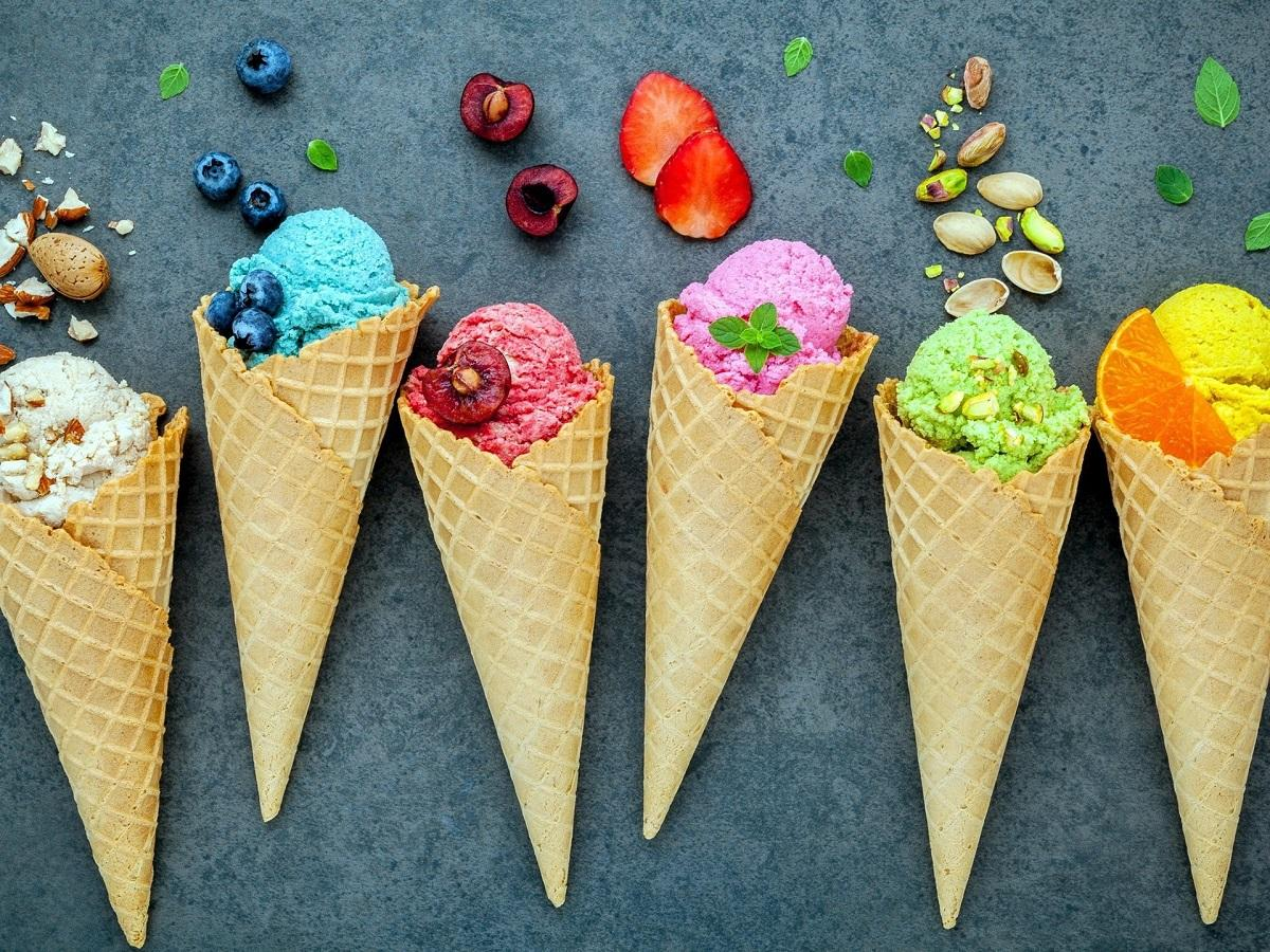 Диетолог рассказала, в какое время лучше есть мороженое