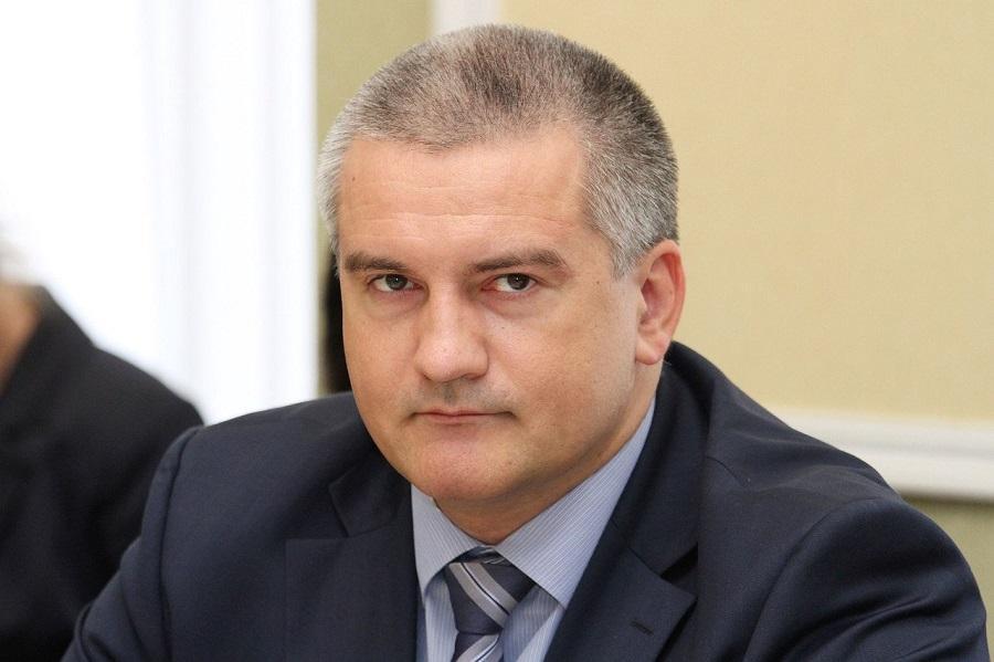Аксенов считает, что у керченскому стрелку кто-то помогал
