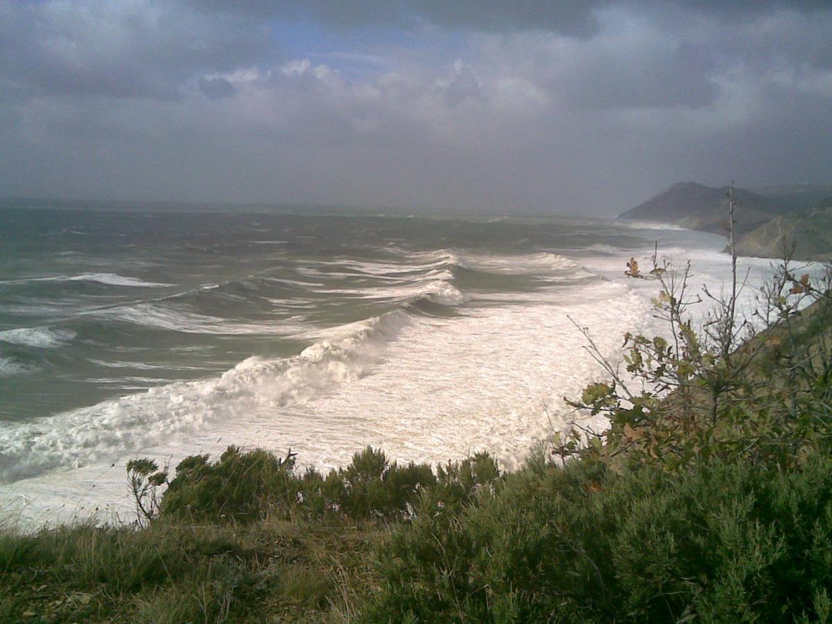 Анапа море пляж шторм