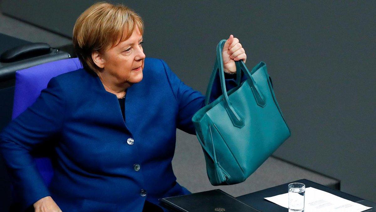 """Германия проведет переговоры с Россией о возможных поставках """"Спутника V"""""""