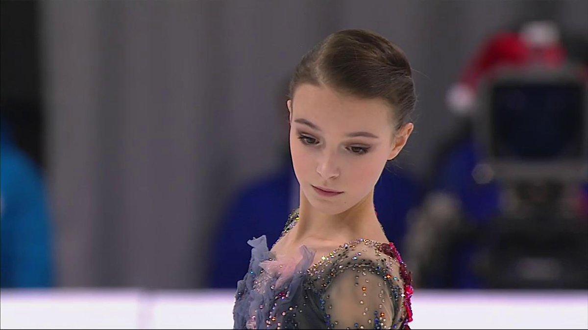 Анна Щербакова феноменально выиграла чемпионат России по фигурному катанию