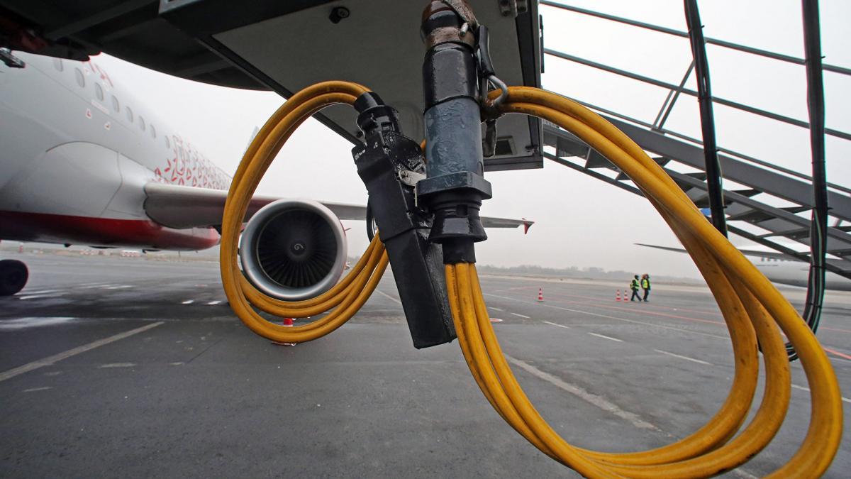 На Кубани установили вину военных, воровавших авиационное топливо