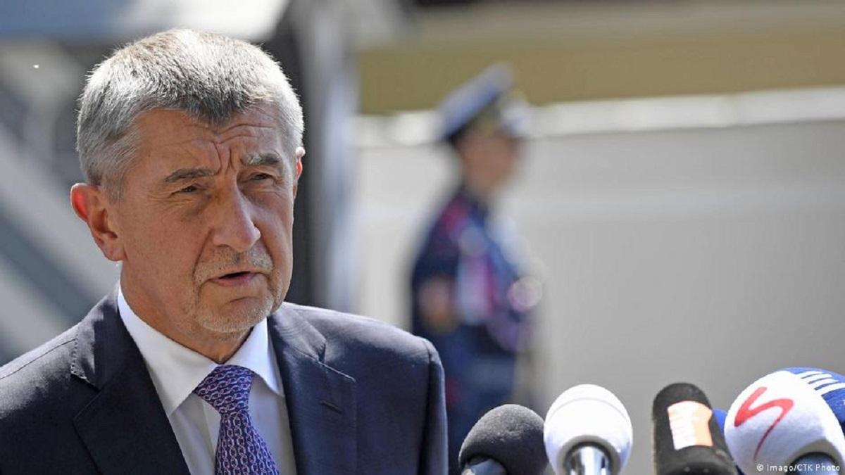 Премьер Чехии отказался считать взрывы во Врбетице терроризмом