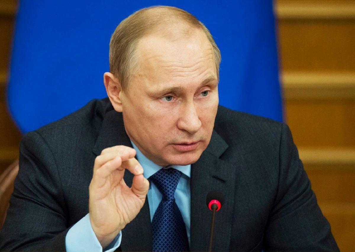 Путин уверен, что через 10 лет в России настанет дефицит рабочих профессий