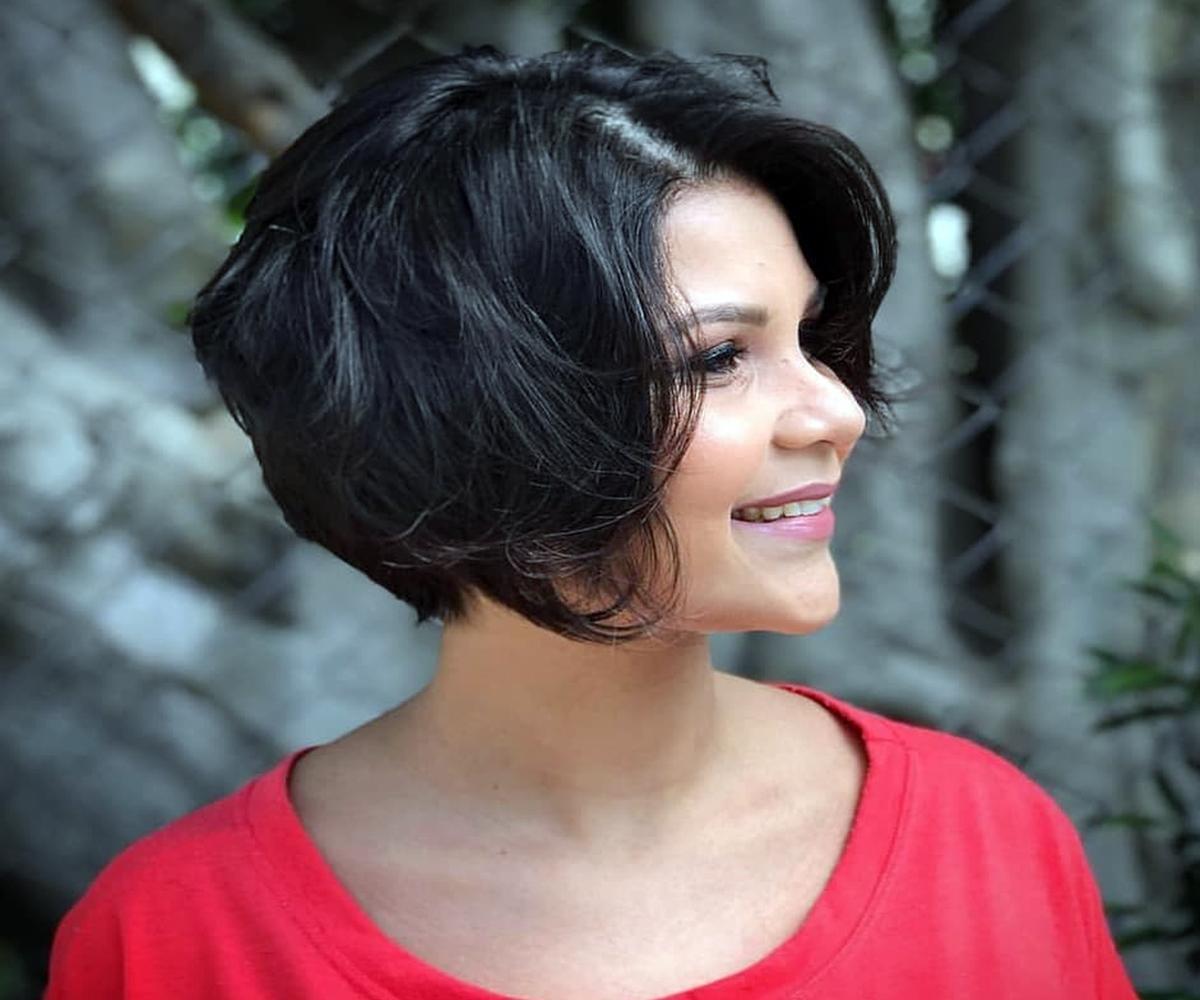 Модные стрижки для брюнеток 40 плюс: 10 вариантов причёсок для стильных дам, фото