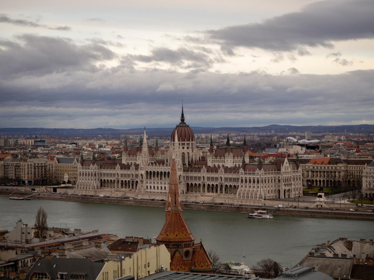 Венгерское посольство убрало из Facebook сообщение об открытии границ для россиян