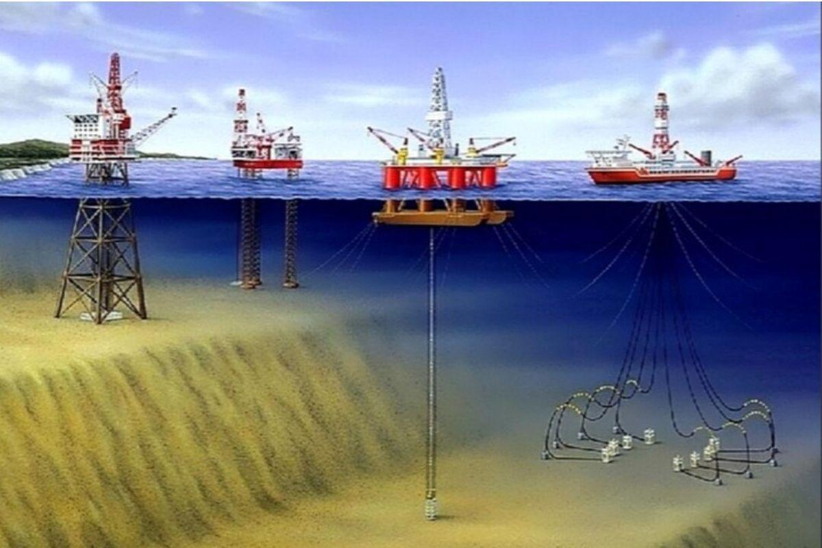 буровые скважины в Азовском море картинка
