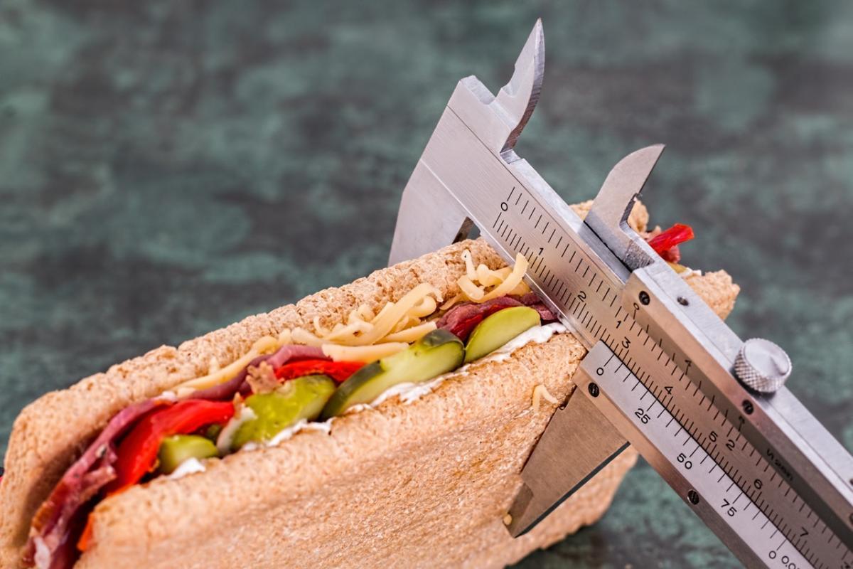 Как заметно похудеть в области живота за неделю: 4 хитрости для быстрого похудения
