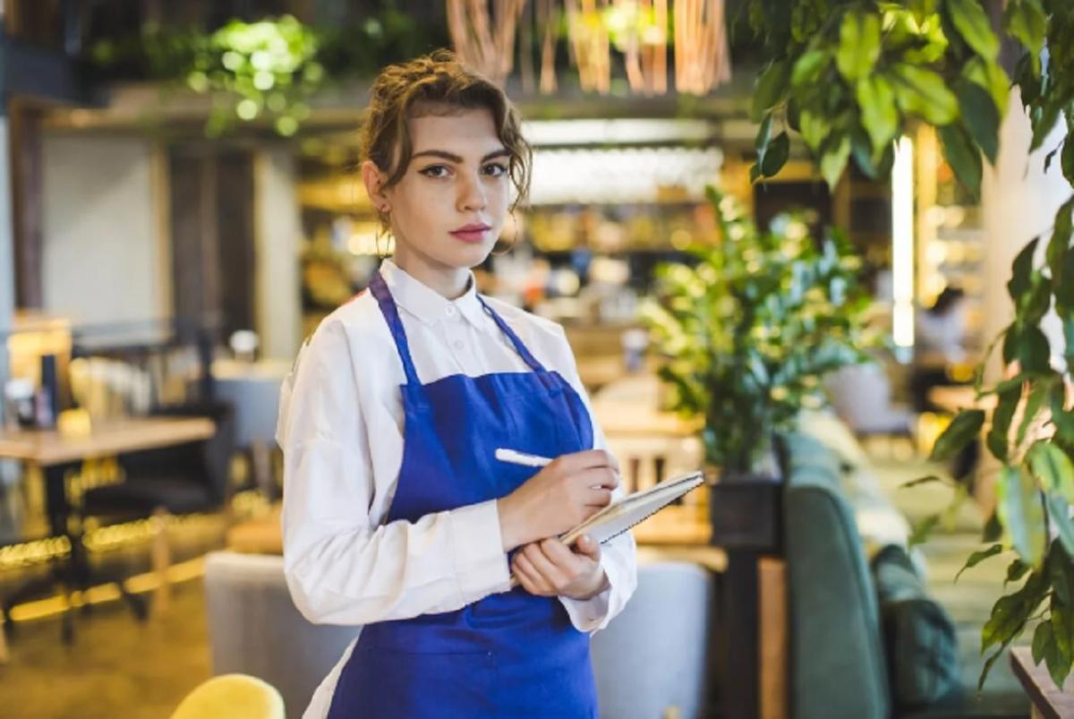 В Крыму сняли запрет на посещение кафе и ресторанов без масок