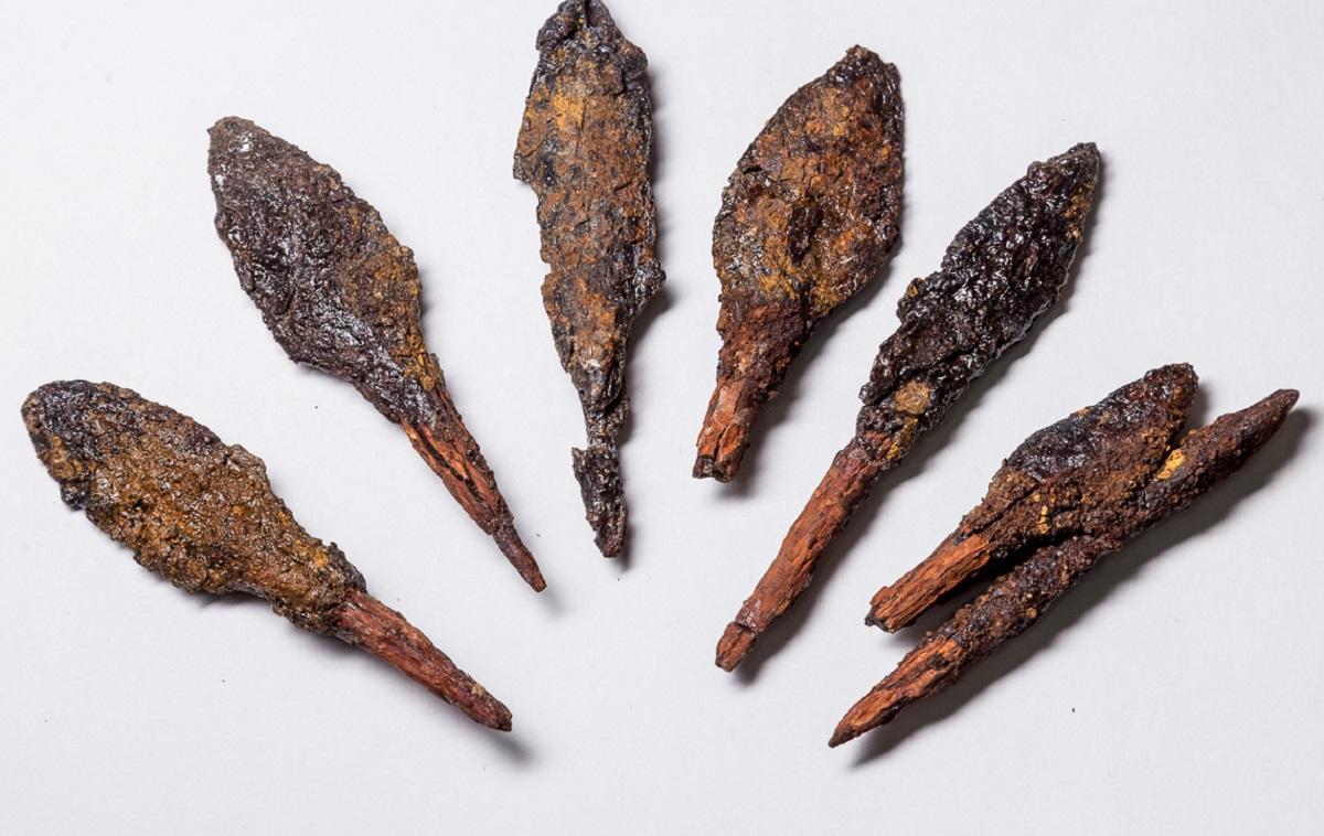 древние стрелы