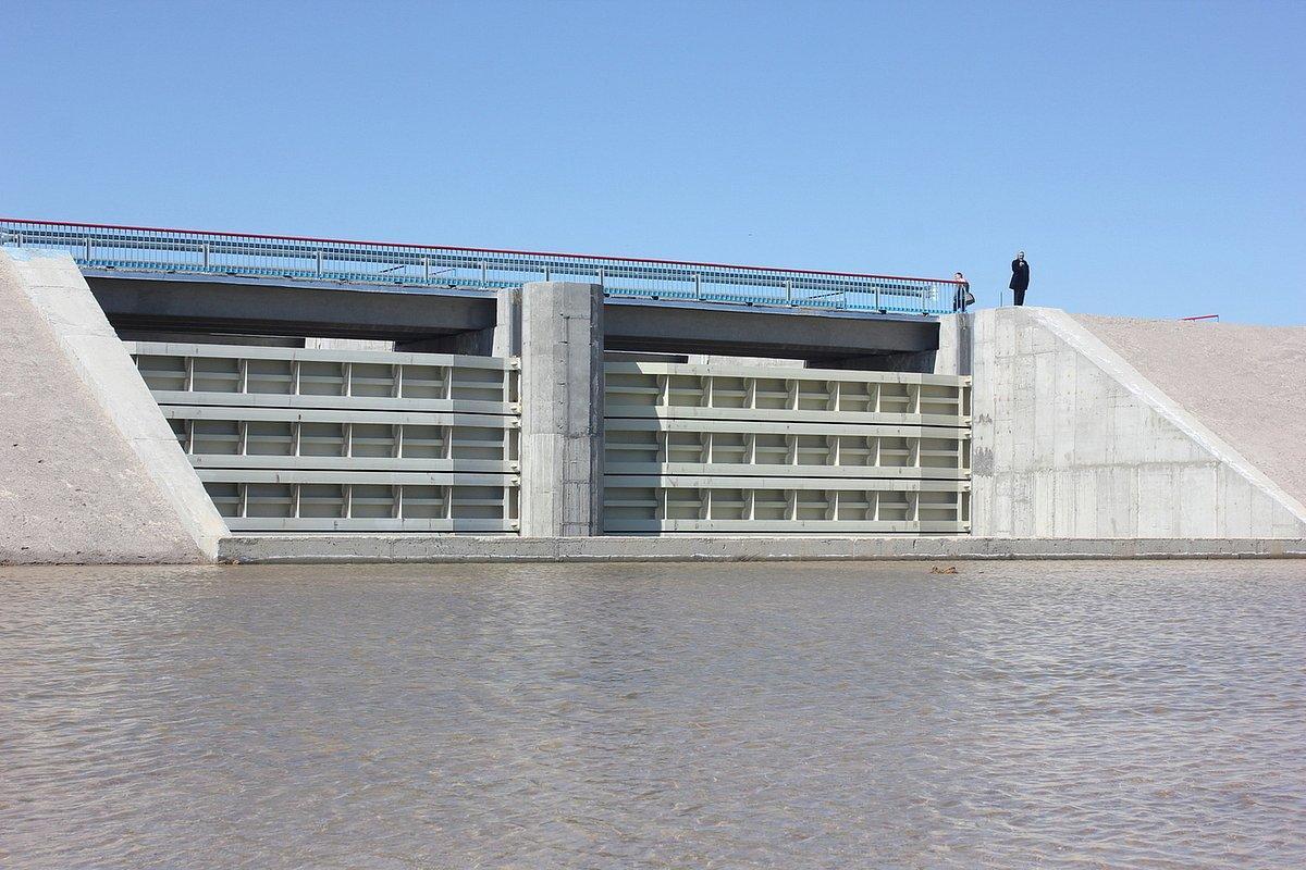 дамба на северо-крымском канале