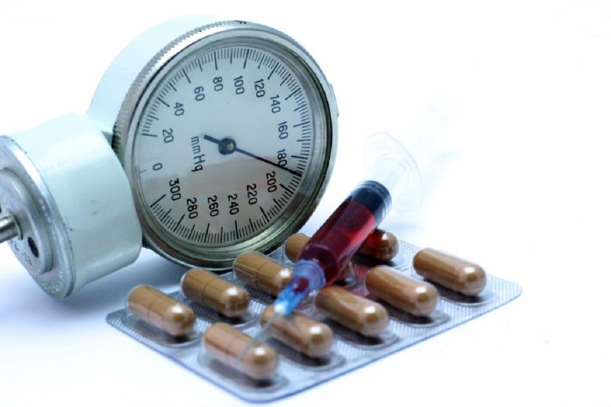 Кардиолог объяснил, как без таблеток снизить давление за 15 минут