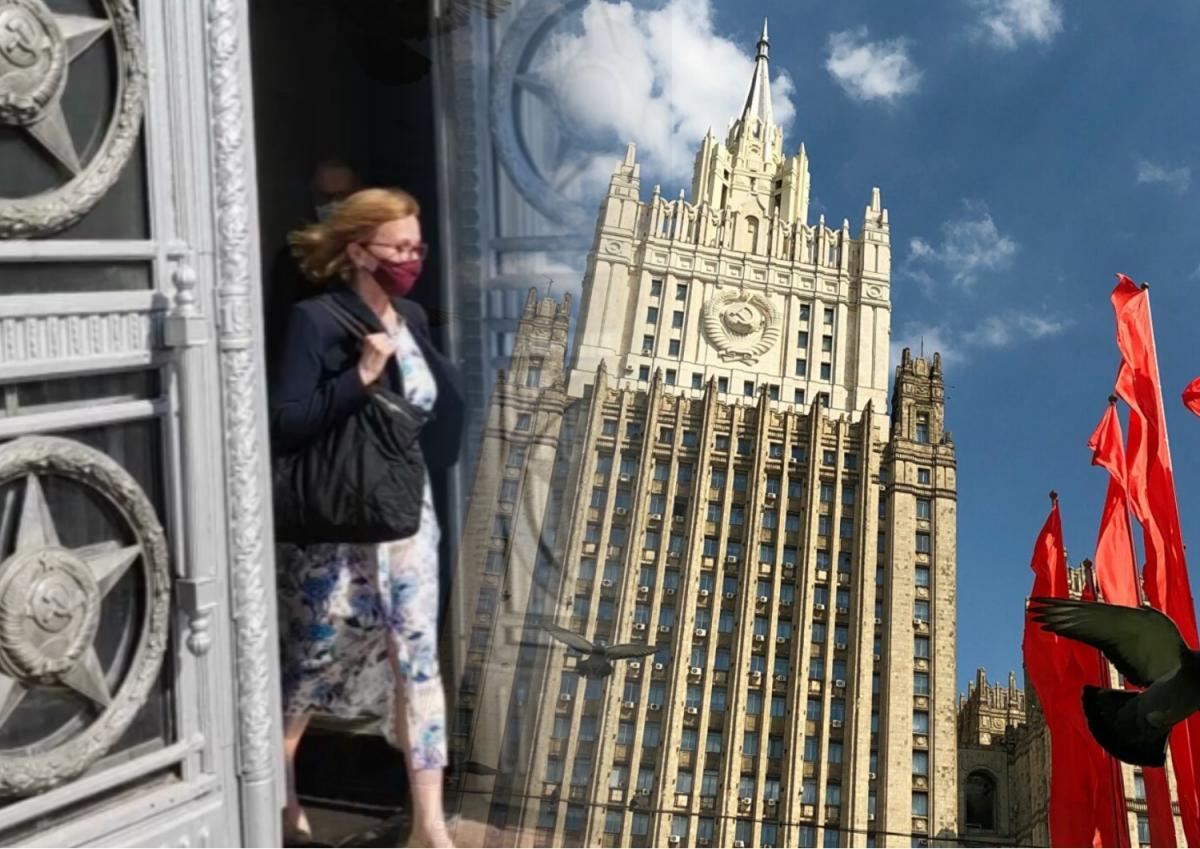 Посол Британии молча покинула МИД РФ после демарша Лондону