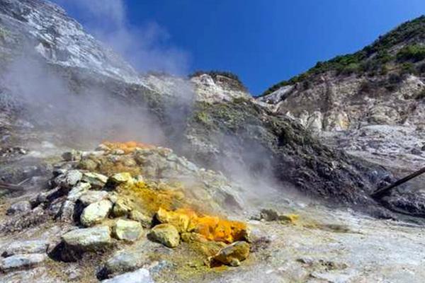 Йеллоустоун рвет на части: эксперты заподозрили неладное около опасного вулкана