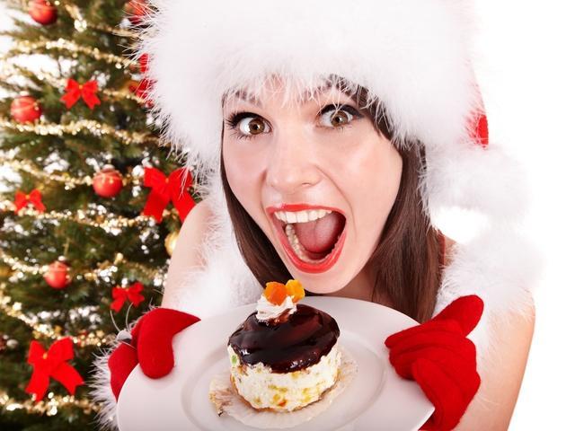 Лишние килограммы и похмелье: как справиться с последствиями новогодней ночи, раскрыли эксперты