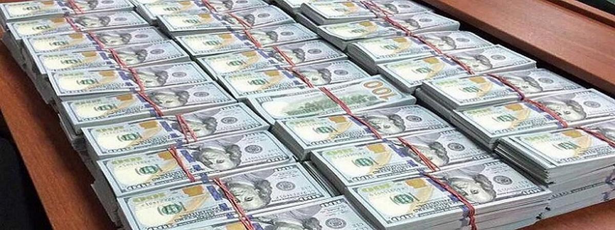 От долларовых заимствований придется отказаться, заявили в Минфине