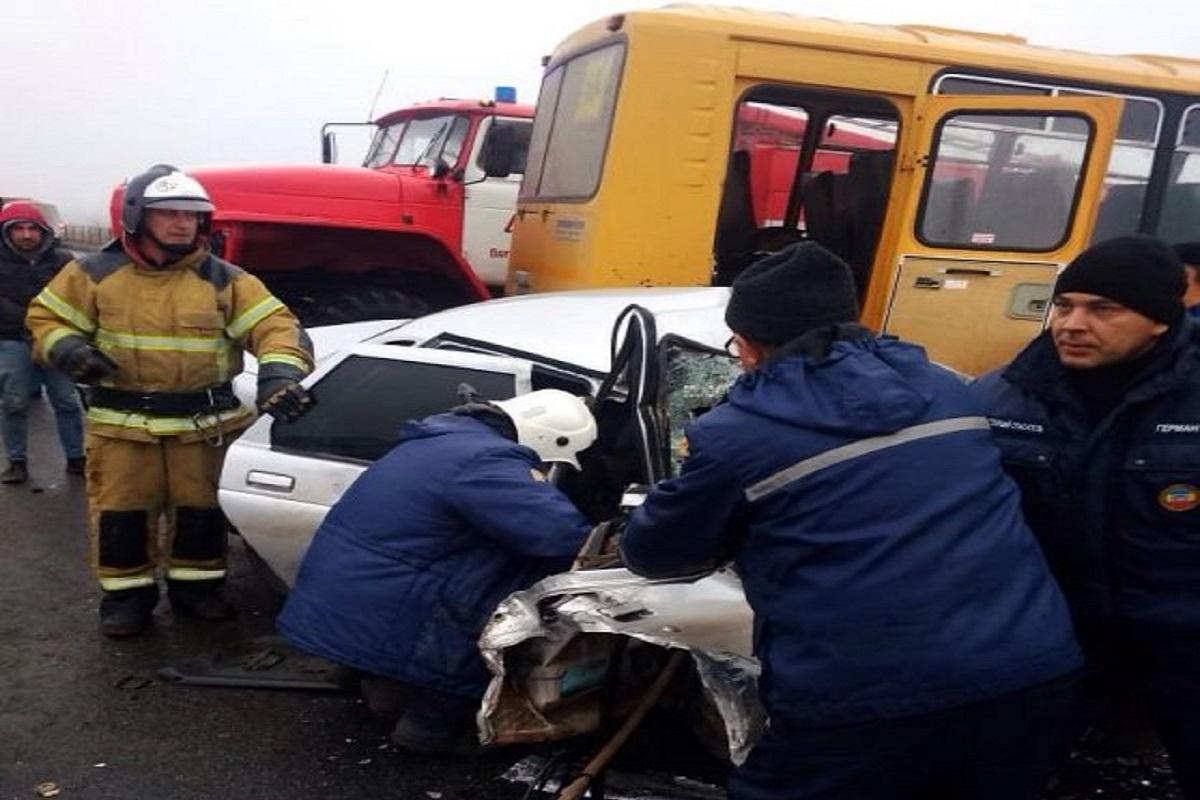 В Ростовской области автобус со школьниками попал в ДТП