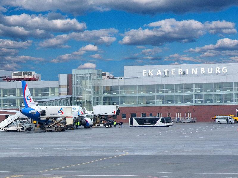 В Екатеринбурге самолет SSJ100 не смог подняться в воздух по техническим причинам
