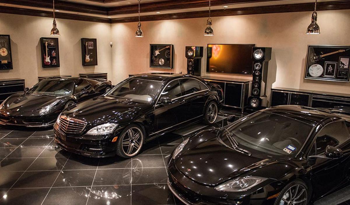 Четверть элитных автомобилей пропали с налогового учета
