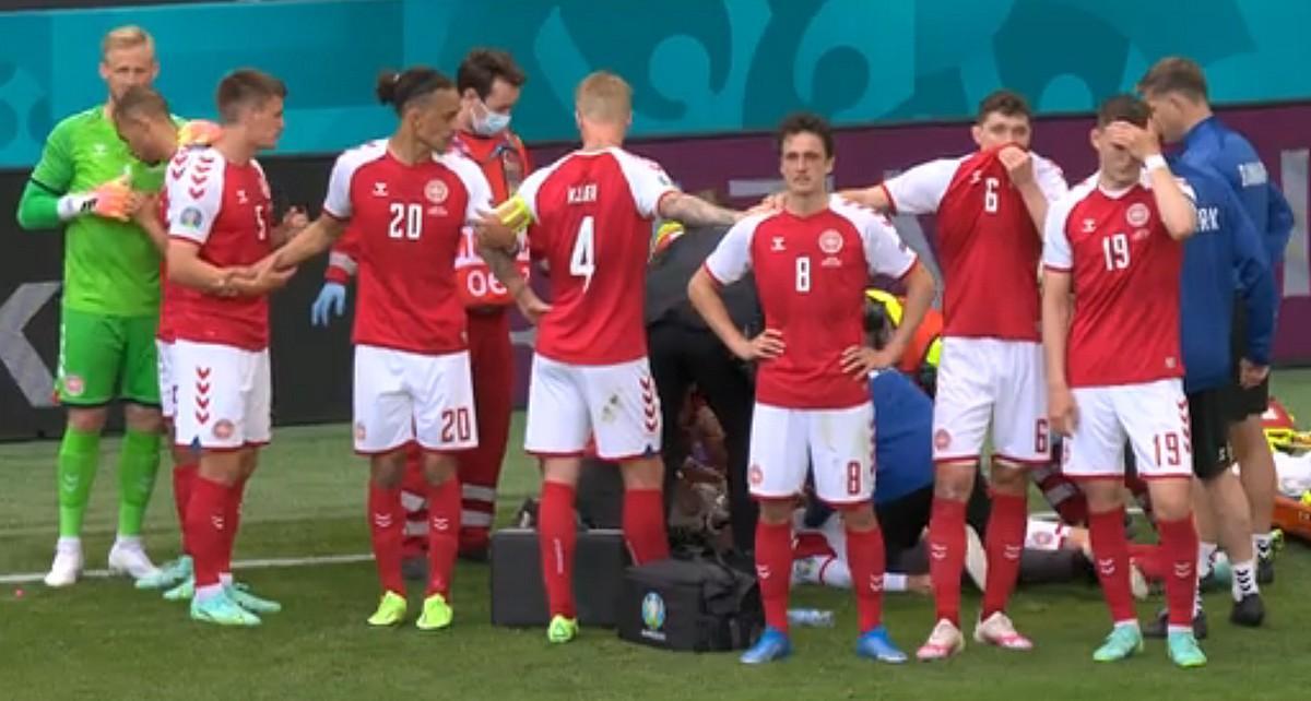 Игроки сборной Дании на стадионе