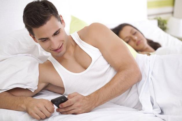 10 фраз, выдающих мужскую измену