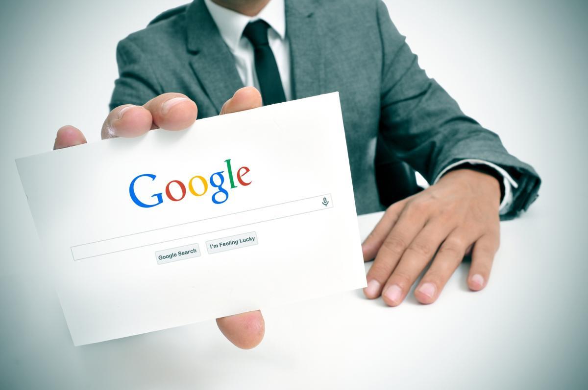 Минфин хочет, чтобы Google и Facebook платили налоги в России тоже