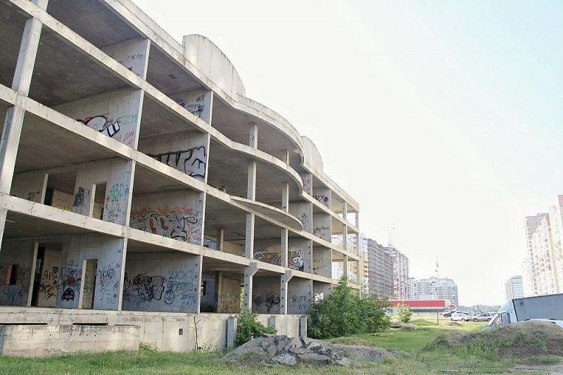 Мэрия Краснодара получила у Минобороны заброшенное здание под поликлинику