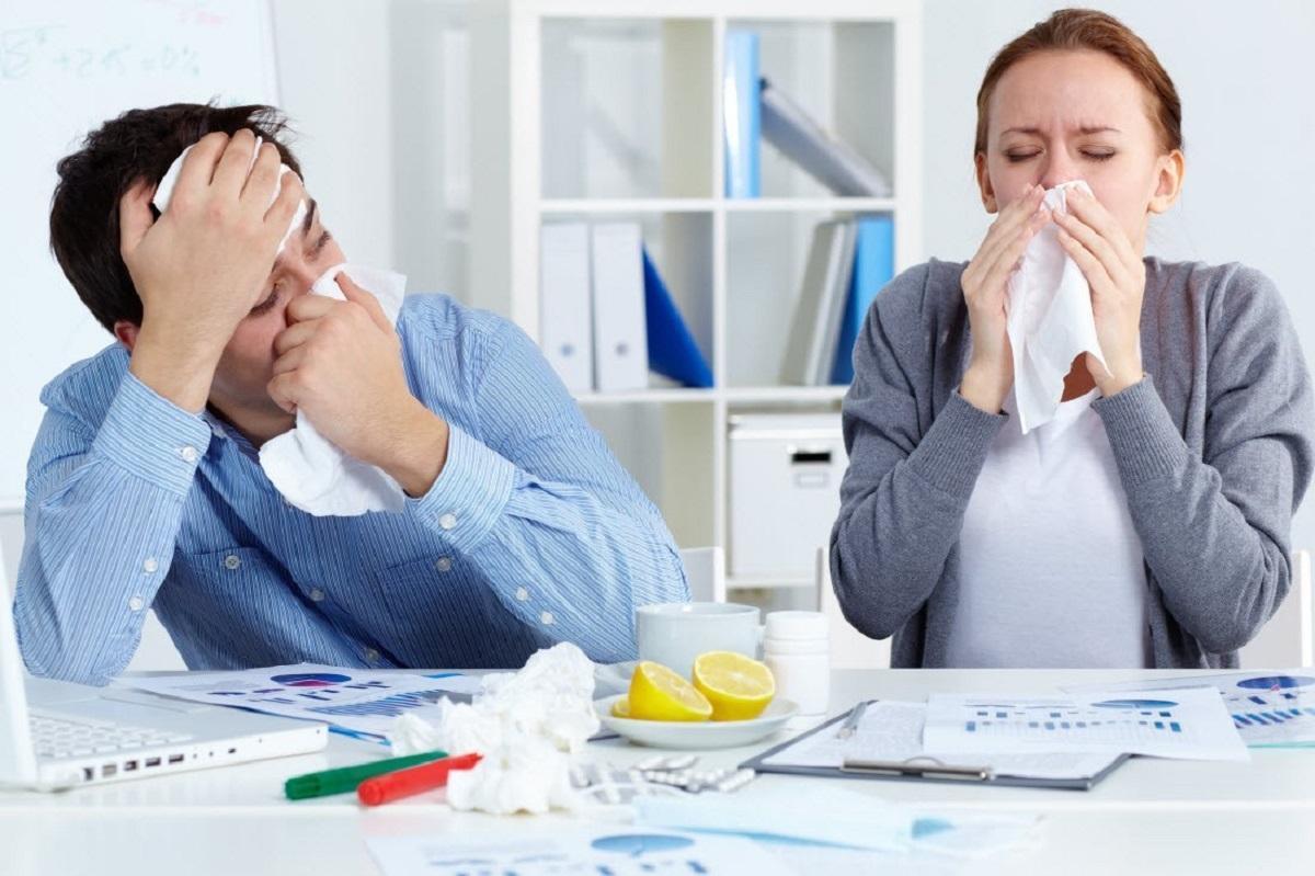 Эксперты сообщили, что большинство россиян заболев ходят на работу
