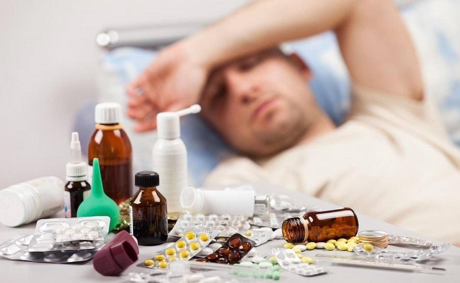 В Роспотребнадзоре рассказали, как подготовить аптечку к сезону простуд