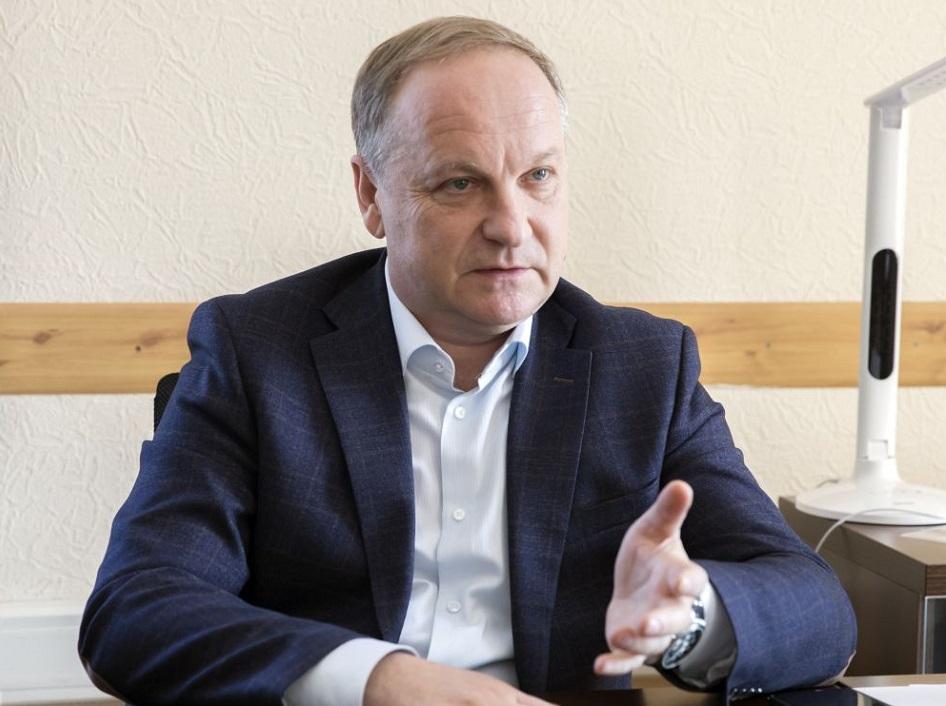 Во Владивостоке мэр города отправил выпускников «в последний путь»