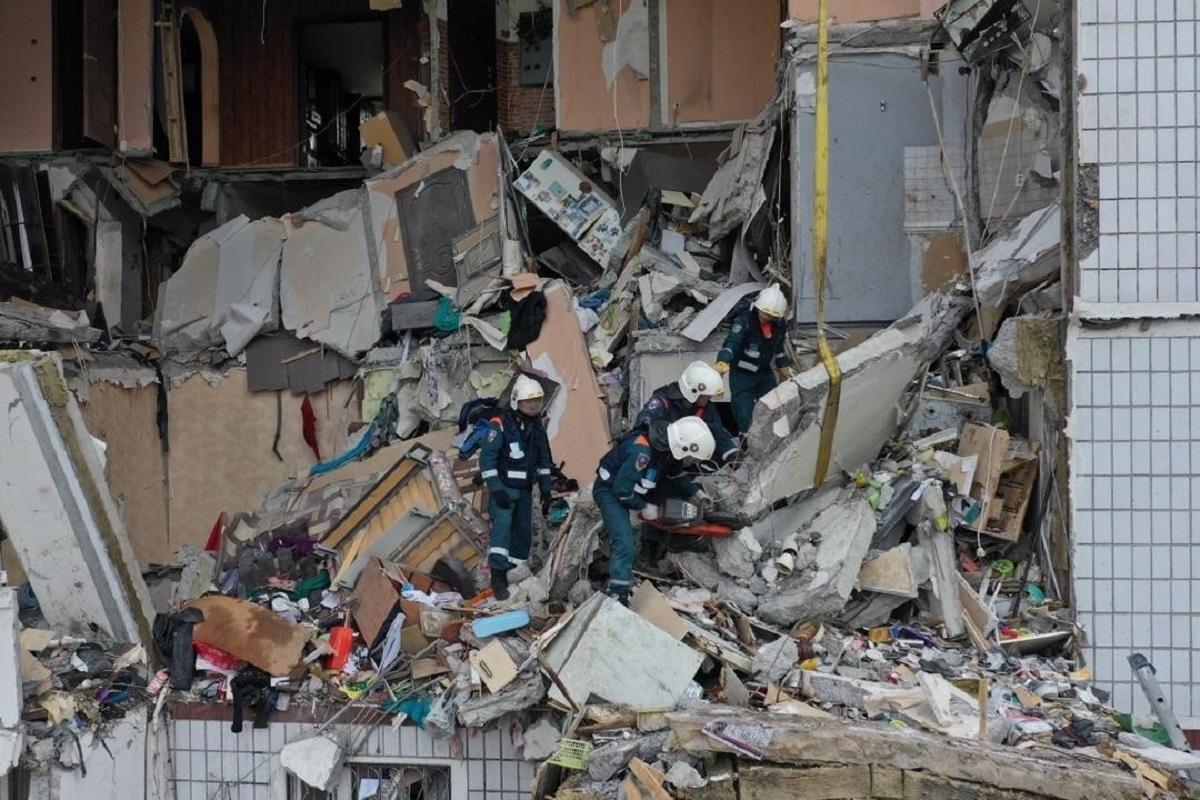 В Ногинске люди все еще остаются под завалами после взрыва газа
