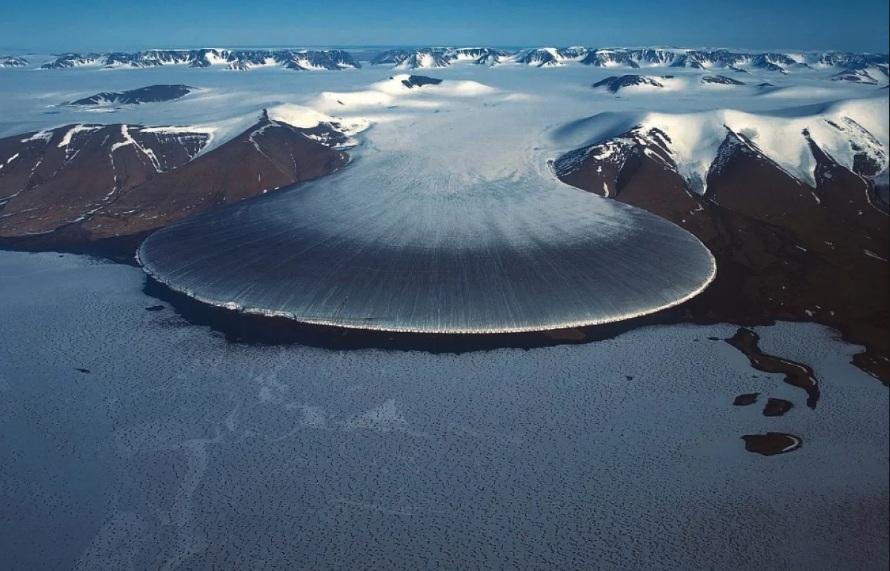 Что так неистово плавит Антарктиду, выяснили ученые: это не инопланетяне