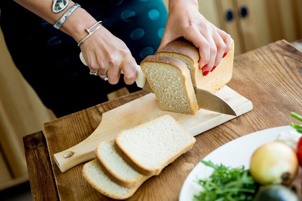 В Роскачестве рассказали, какой хлеб плесневеет быстрее