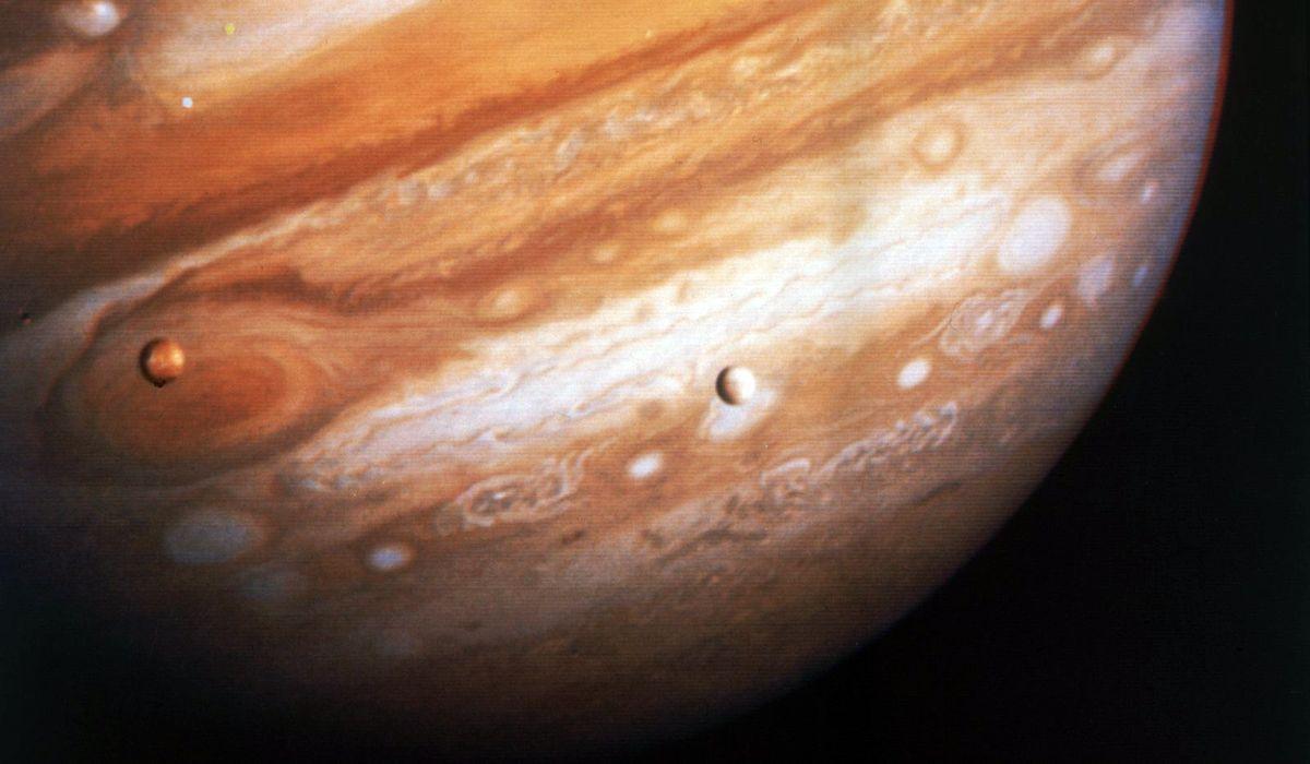планета Юпитер и спутник Европа картинки