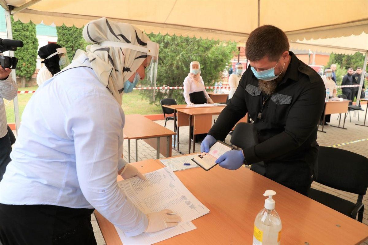Рамзан Кадыров на избирательном участке