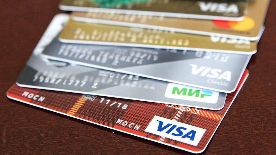 Госдума усилит контроль над операциями по иностранным банковским картам