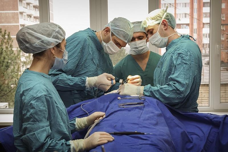 Краснодарские врачи вернули дар речи онкобольному пациенту