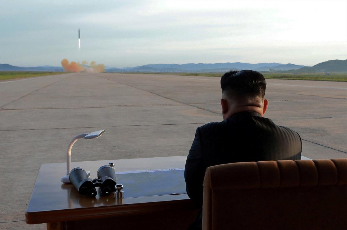 МИД КНДР назвал вице-президента США политическим болваном