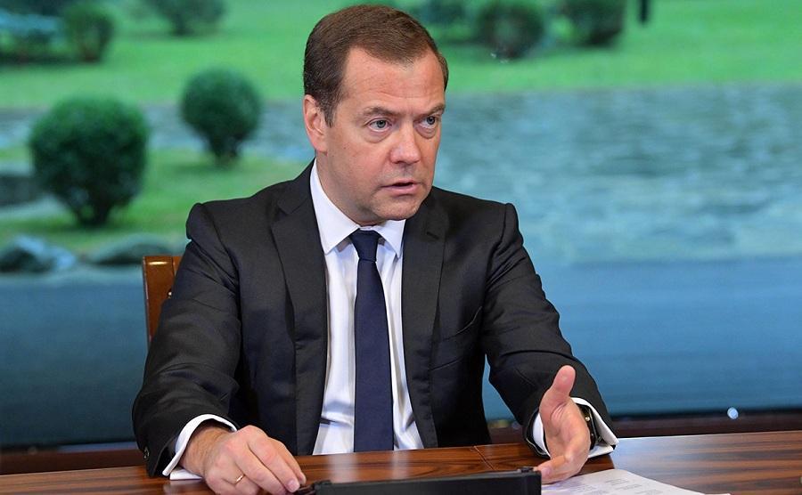 Медведев хочет переписать КоАП к 1 июня