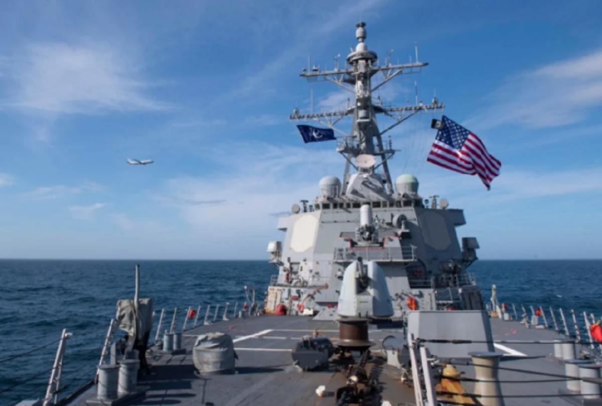 Вариант достойной «встречи» кораблей США в Черном море
