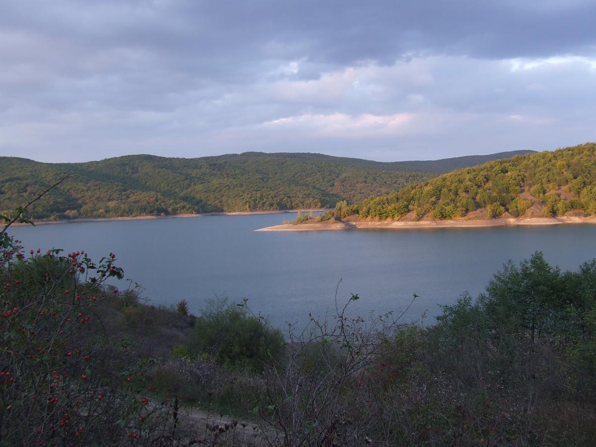 Крым водохранилище горы