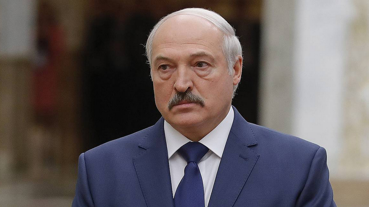 Суздальцев объяснил, к чему приведет подписание Лукашенко декрета о передаче власти Совбезу