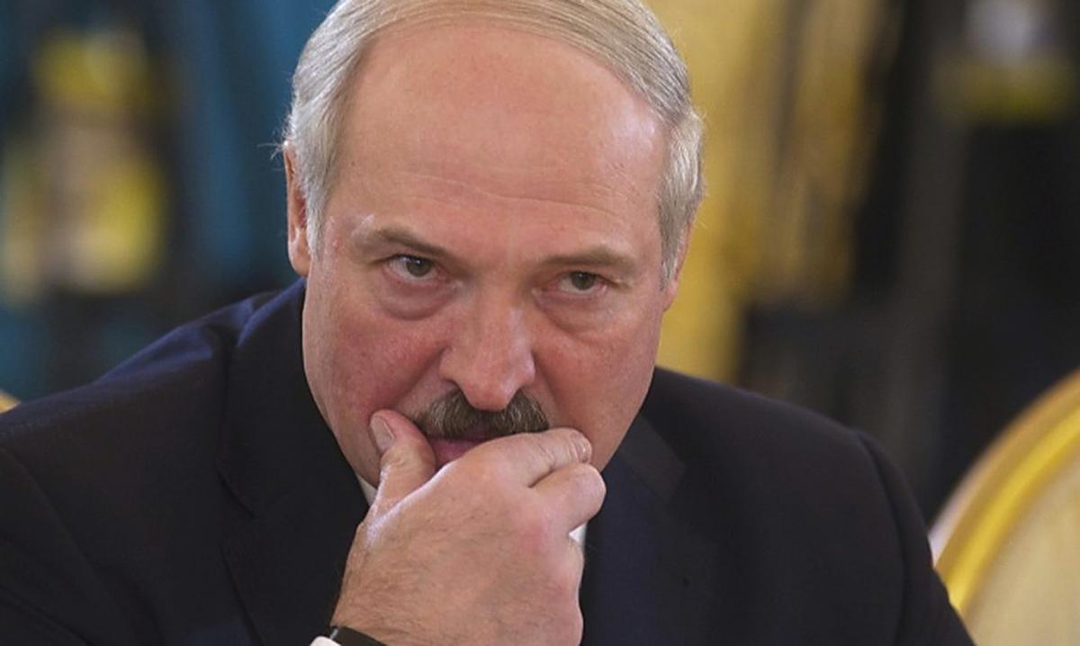 Стало известно, что вчемоданчике Лукашенко при встрече сообщил  Путину